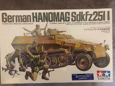 1/35 Tamiya German half-track Hanomag SdKfz 251/1 & 5 crew kit WW II