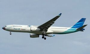 A330, GARUDA INDONESIA MASK ON REG: PK-GHC WITH STAND - JCWINGS JCLH2270 1/200