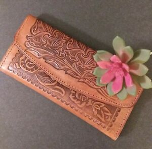 👜 NEW-Mexican Artisan hand Tooled embossed burnt orange/brown Leather Wallet