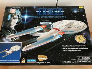Playmates Star Trek First Contact U.S.S Enterprise Collectors Edition (NEW)