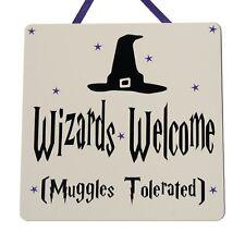Los asistentes Bienvenido (muggles tolerado) - Harry Potter-hecho a mano placa de madera