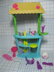 Barbie Doll Pink Passport TIKI HUT/VOLLEYBALL BEACH PLAYSET BALL GLASS SCUBA LOT