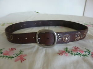BROWN LEATHER FLORAL DESIGN LADIES BELT MADE BY FOSSIL