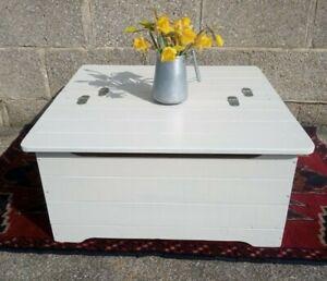 Large Painted Cream Vintage Pine Blanket/Toy Box/Coffee Table