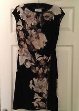 Wallis Petite Dress Black Floral Zip split at Front.Sz8 Stretchy great condition