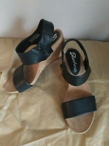 Ladies Wedge Black Skechers Sandals Size 3