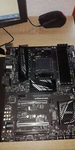 MSI 970A Gaming Pro Carbon AMD AM3+ ATX