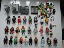 Playmobil Figurenkonvolut, Figuren mit Zubehör, Ritter, Mädchen, Baby, ein Motor