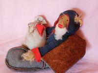 Künstlerteddy Teddybär NIKOLAUS im Pantoffelschlitten Zwergnase 30cm