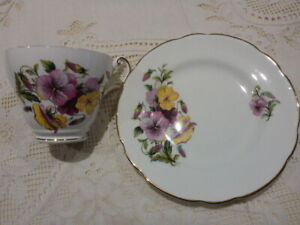 REGENCY ENGLISH BONE CHINA TEA CUP AND PLATE FLORAL PATTERN 1950s 1960s