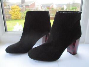 Ladies PEACOCKS black suede ankle boot with contrast heel U.K. 7 (EUR40)
