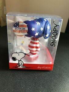 """Snoopy It's A Comical World 3"""" Vinyl Figure - Born In The USA"""
