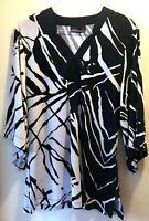 DANA BUCHMAN Top MEDIUM Navy Blue Black & White 3/4 Sleeve Tunic Style Abstract