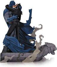 DC Collectibles Hush Batman And Catwoman Kiss Statue RARE!