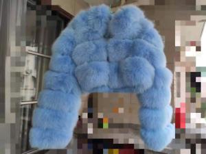 Genuine Luxury Ladies Fur Jacket Fox Fur Coat Hooded Long Sleeves Short Style