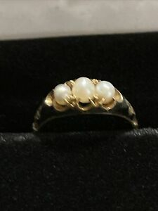 Antique Victorian 18k Black Enamel And 3Pearl Pearl Mourning Ring Sz 5 3/4