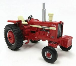 1:32 2013 Lafayette Farm Toy Show Edition Resin IH 1456 #2 in Series