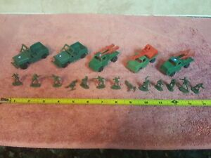 Vintage Miniature Plastic Army Jeep, Truck and Soldiers (Lot of 17 Pieces)