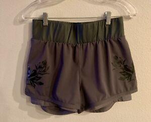 Fabletics Deep Purple Flowers Running Yoga Shorts W/ Phone Pocket Size Small