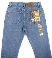 Wrangler Jeans Mens REGULAR FIT - LIGHT STONEWASH Size 32 x 32 New Straight Leg