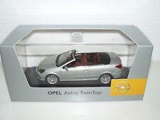 Opel Astra Twin Top Cabrio Modellauto 1:43 pannacotta met.