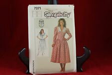 Simplicity 7371 Woman's Dress with Fitted Bodice Pattern Size 12