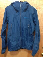 Selling as is Authentic Patagonia Men's light weight hooded jacket gore tex S