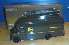 Action Collectibles 104652 2003 UPS Van Employee Exclusive Limited Edition 1:32