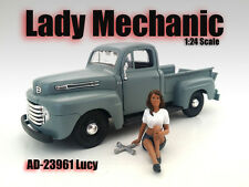 LADY MECHANIC LUCY FIGURE 1:24 SCALE DIECAST MODEL CARS AMERICAN DIORAMA 23961