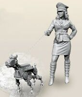 Resin 1/35 Sci-fiction German Female Officer W/Robot Dog Unpainted unassembled