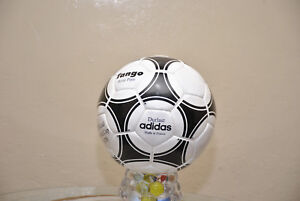 BID::Adidas Official Match-Ball of FIFA World Cup 1978 Leather Football Size 5.