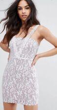 Mini Vestido nuevo con etiquetas prettylittlething Blanco Encaje Talla UK 8 Topshop