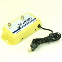 Distribution Amplifier Booster Signal Reception Antenna to TV VHF/UHF/FM
