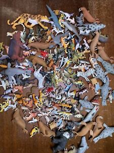#A 200 Plastic Zoo Animals Lot Of Jungle Safari Sea Party Favor Goodie Bag Toy