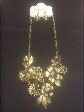 *Vintage Style Gold Floral Statement Necklace With Diamanté & Earrings*