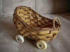 alter kl. Puppenwagen Korbwagen Puppen Zubehör Kinderspielzeug Dachbodenfund