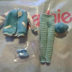 Barbie  Fashion Avenue Matching Styles Doll Clothes Shoes Mattel
