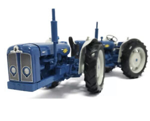 Universal Hobbies 1:16 UH6297 Doe Triple-D Fordson Dual Drive Limited 1000 Made