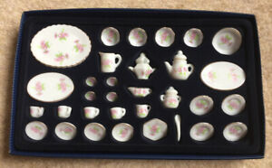 Dolls House Miniature Tea Set Dinner Service Flower Pattern Ceramic 32 Piece
