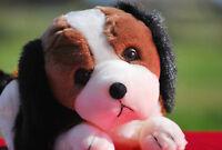 Stofftier liegender Hund Kuscheltier Plüschtier (Länge ca. 30cm) Geschenk NEU