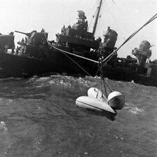 WW2 WWII Photo USS Smalley DD-565 Transfers Drop Tanks to CV World War Two 7234