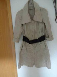 Design Trenchcoat ,Kurzmantel,  beige,  hochwertig,  Gr. 38 Neuwertig