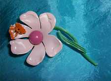 ADORABLE VINTAGE METAL PINK FLOWER WITH AN ORANGE BUTTERFLY ON A PETAL PIN