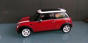 Kyosho -  1:18 - Mini Cooper rot/weiß ohne OVP