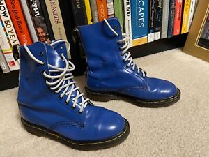 DR. MARTENS Womens 9, Mens 8, US UK 7 Leather Mid Lace Up England Combat Boots