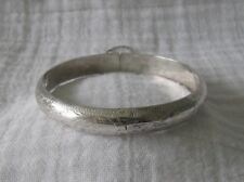 "Vintage Marked .925 Silver Etched Hinged Bangle Bracelet w/Safety Chain,7"",12.4G"