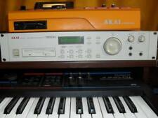 Akai Professional s2000 Sampler like mpc 2000xl