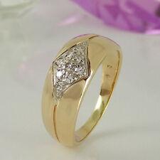 Echtschmuck im Cluster-Stil aus Gelbgold mit SI Reinheit Ringe