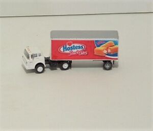 Hostess Red  24' pup Tractor Trailer
