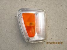 95 - 98 TOYOTA T100 SR5 2D CAB FRONT RIGHT SIDE CORNER TURN  SIGNAL LIGHT